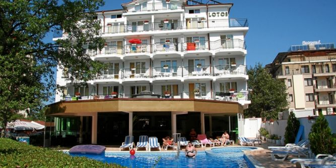 Семеен хотел Лотос