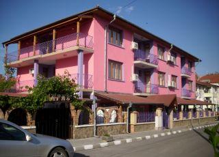 Семеен хотел Дом за гости Равда