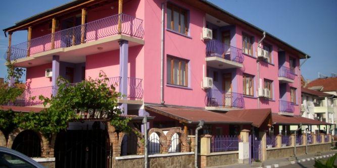 Дом за гости Равда