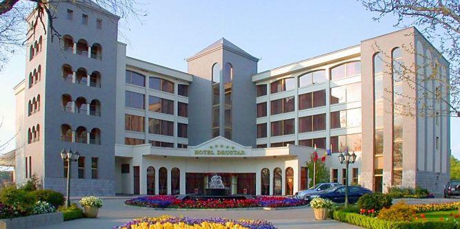 Хотел Дръстър