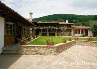 Къщата с лозницата
