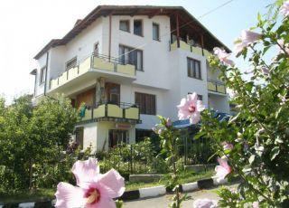 Семеен хотел Валмар