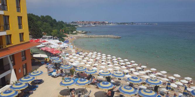 Апартамент на брега Мираж