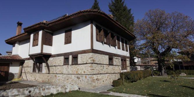Джуджева къща