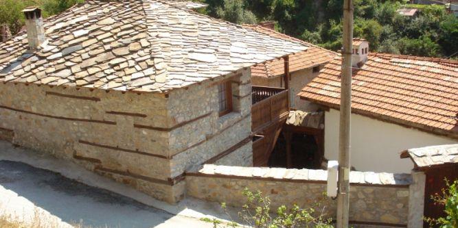 Воденичаровата къща