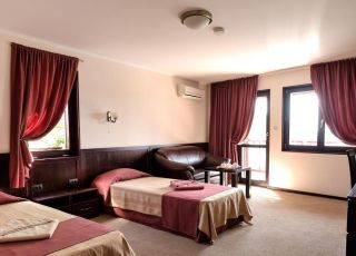 Семеен хотел Диона