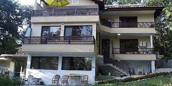 Семеен хотел Вила Горски кът