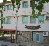 Family hotel Dobrev