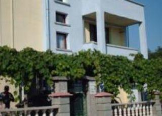 Квартира Лозмари