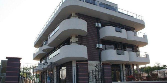 Семеен хотел Силистар