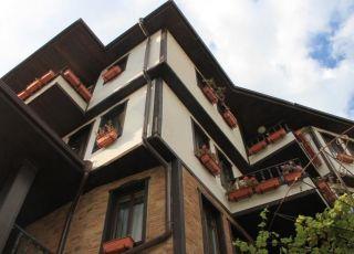Семеен хотел Девина