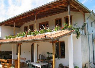 Къща Веселина