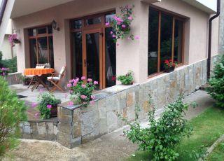 Къща вила на Езерото