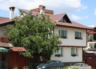 Стракова къща