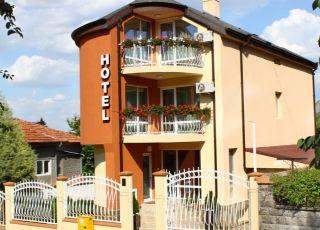 Хотел Зоти