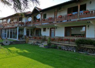 Семеен хотел Росана