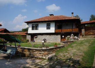 Къща Бела