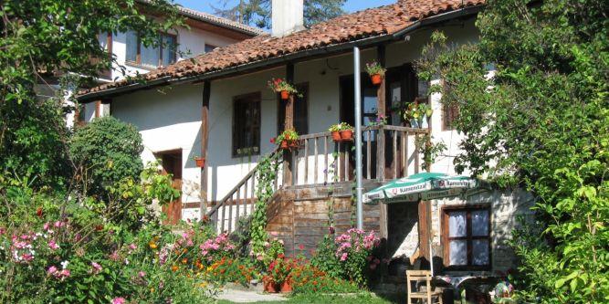 Хаджистойчева къща