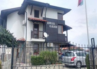 Къща Сани