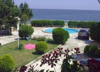Семеен хотел Мезонет на брега