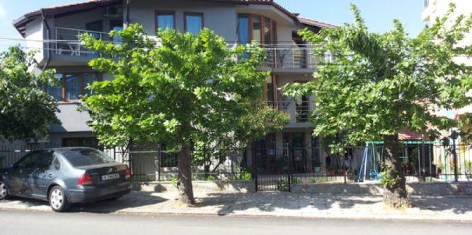 Къща за гости Ния