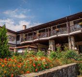 Family hotel Ajur