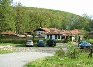Семеен хотел Караджейката