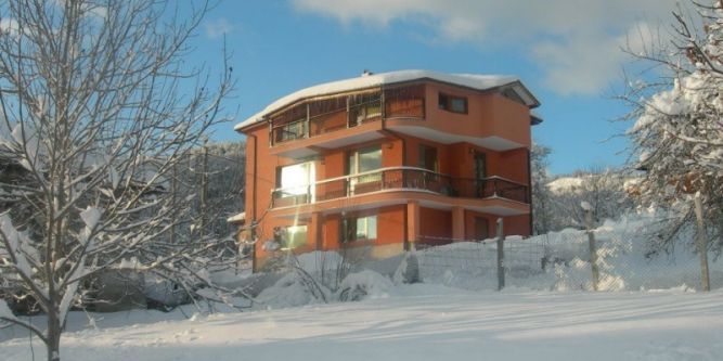 Къща Карина