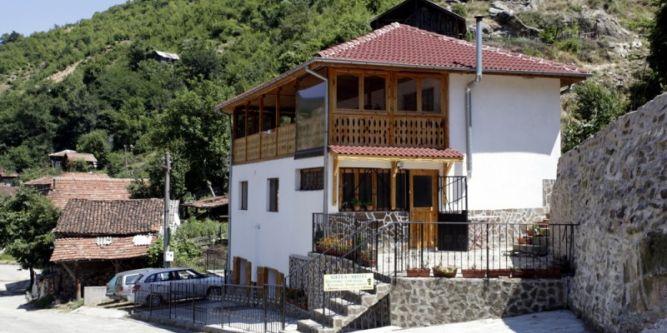 Къща Бисерова-Гоф