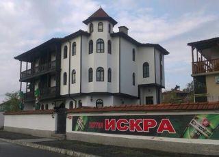 Семеен хотел Искра