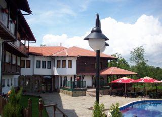 Семеен хотел Костел Палас
