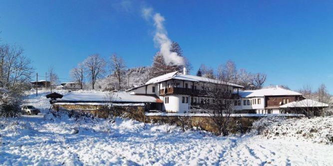 Хотел Костел