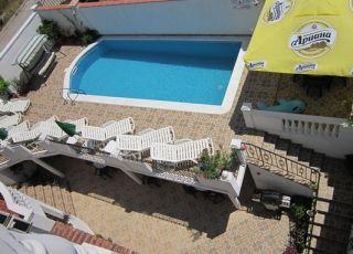 Семеен хотел Веселина