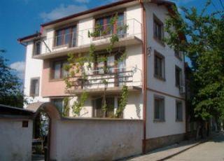 Къща за гости Боневи