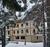 Family hotel Gundera