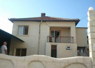 Къща Гуцова