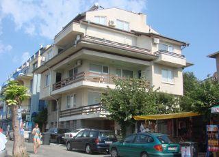 Семеен хотел Кирови