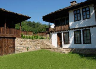 Къща Балканец