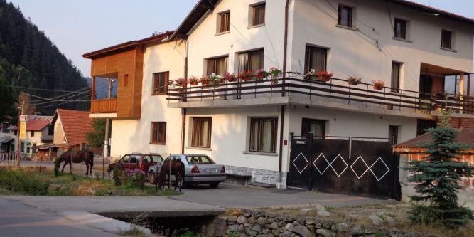 Семеен хотел Екорелакс