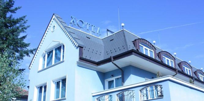 Хотел Лазур