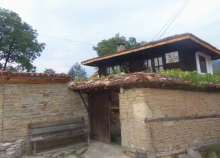 Джендовата къща