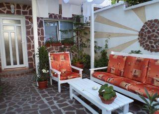 Семеен хотел Анестиеви