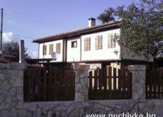 Къща Парория