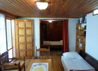 Апартамент Мавров