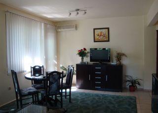 Апартамент Петкова