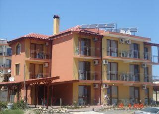 Семеен хотел Елинор