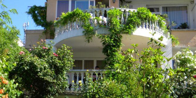Квартира Зелен Рай
