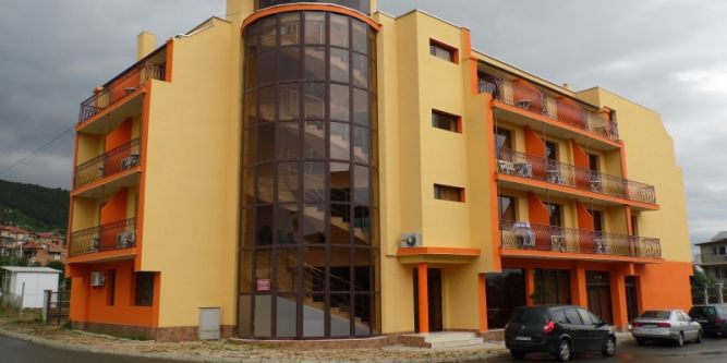 Семеен хотел Амигос