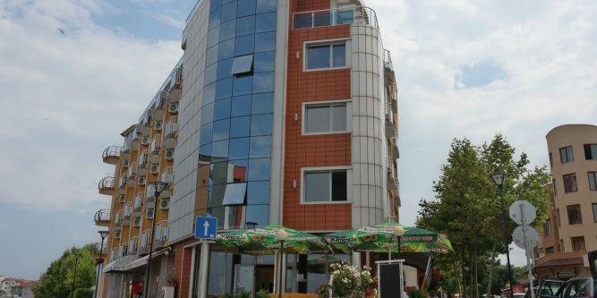Семеен хотел Ева