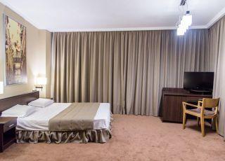Хотел Арт